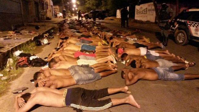 Membros de facção sendo detidos pela PM-MA
