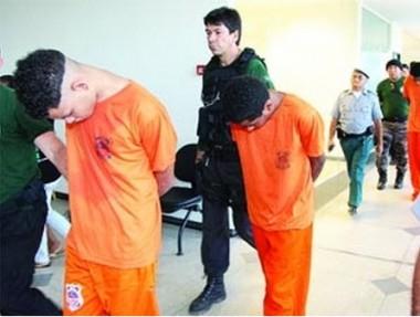 Grupo suspeito de integrar facção criminosa quando chegava ao fórum para audiência; todos foram liberados
