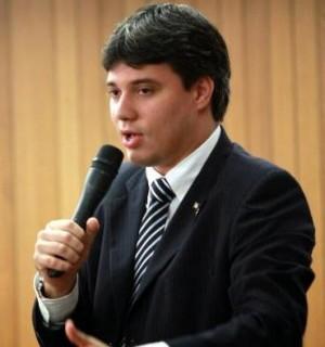 Deputado-secretário Neto Evangelista