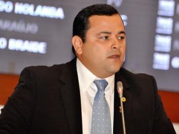 Deputado Vinicius Louro (PR)