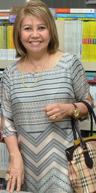 Presidente do TJ-MA, Cleonice Silva Freire com sua 'chique' bolsa da Burberry