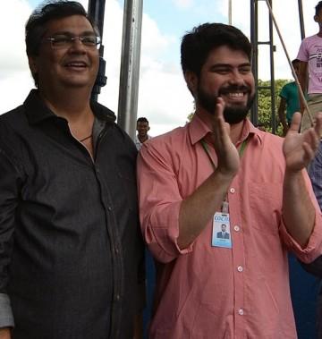 Governador Flávio Dino ao lado do diretor da Caema, Davi Telles