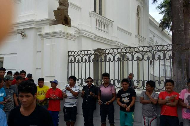 Protesto na porta do Palácio dos Leões 2