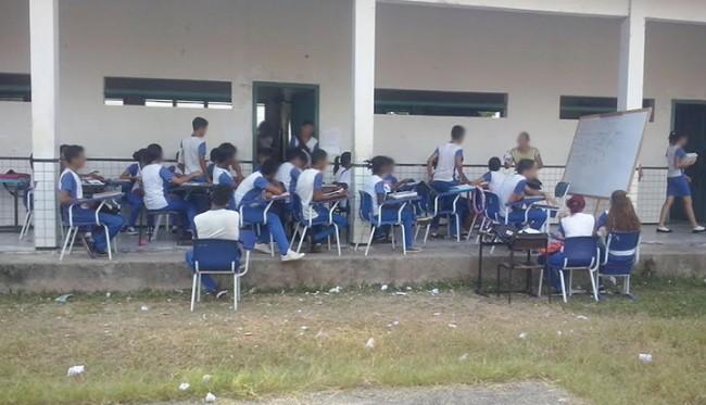 Alunos do Centro de Ensino Estado do Espírito Santo, em Vitória do Mearim-MA