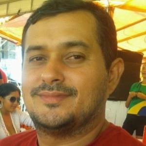 Blogueiro Roberto Lano
