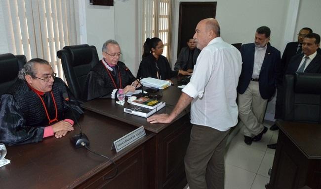 Ribamar Alves na  audiênci presidida pelo desembargador Vicente de Paula Gomes de Castro