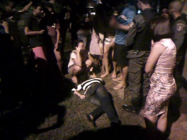 Mulher ficou no chão à espera da Samu por mais de três horas