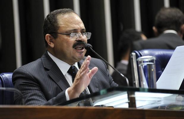 STF manda Waldir Maranhão assumir a presidência da Câmara