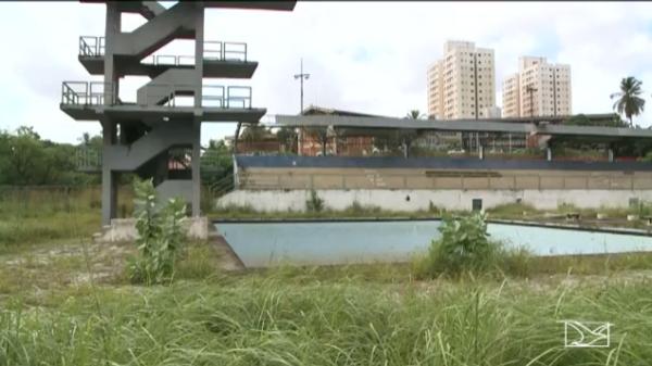Parque Aquático continua deteriorado e sem uso