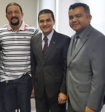Júnior Verde, ministro Marcos Pereira e Cleber Verde