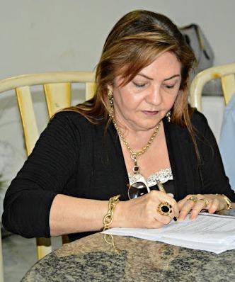 Resultado de imagem para Prefeita Tina Monteles
