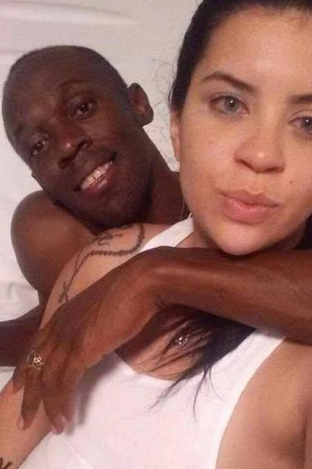 Morena carioca passa noite com Usain Bolt e fotos vazam na Internet
