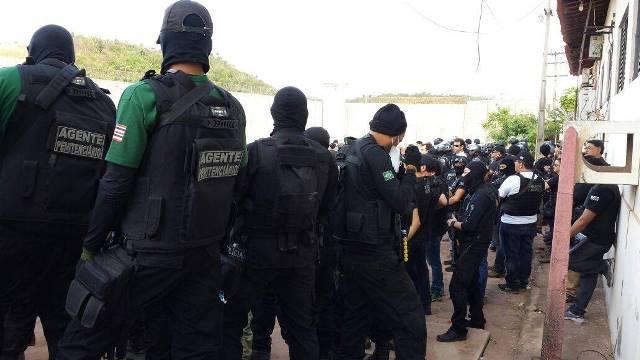 Autoridades policiais realizam operação em Pedrinhas