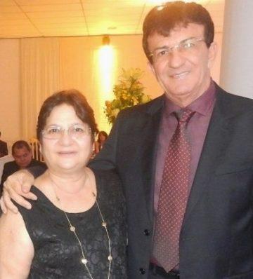 Terezinha ao lado do esposo Francisco Carlos de Oliveira: proprietários da FC Oliveira