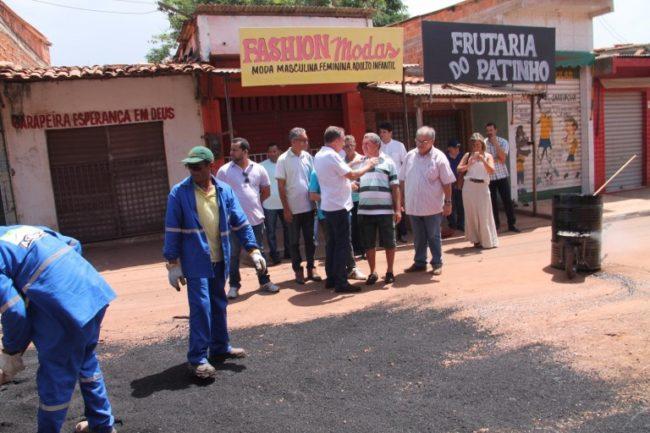 Luís Fernando acompanhado o tapa-buraco
