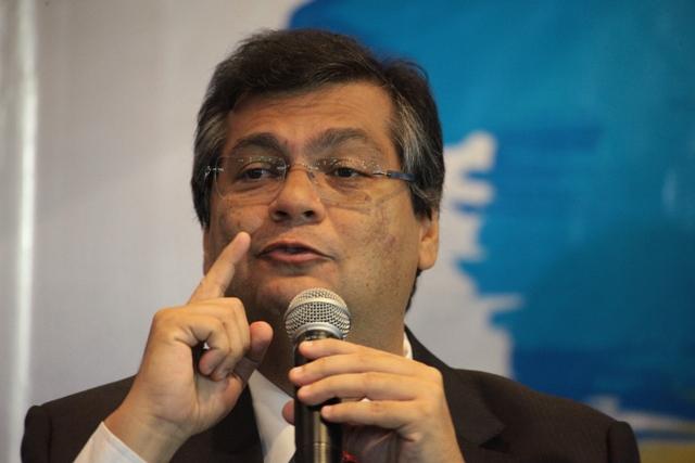 Governador Flávio Dino faz biquinho para o aluguel imoral