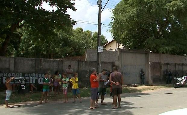 Moradores do bairro Aurora em São Luís reclamam de prédio da Funac