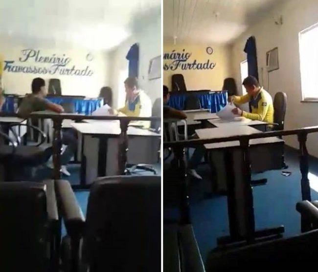 Presidente da Câmara de Mirinzal despachando com farda dos Correios