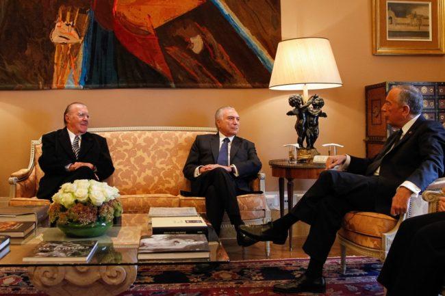 Ao lado de Sarney, Temer vai a Portugal para homenagens ao ex-presidente Mário Soares