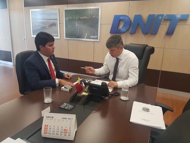Deputado André Fufuca e o diretor geral do DNIT, Walter Casimiro