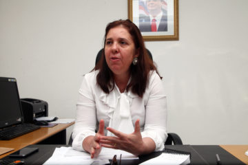 Secretária Flávia Alexandrina