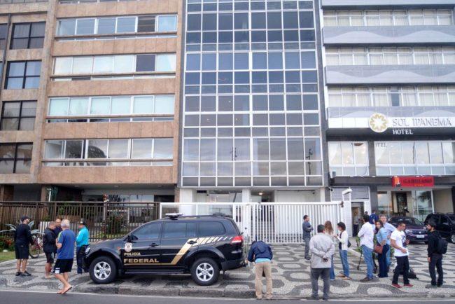 Apartamento do senador Aécio Neves é alvo de busca e apreensão durante operação da Lava Jato em Ipanema, na Zona Sul do Rio de Janeiro