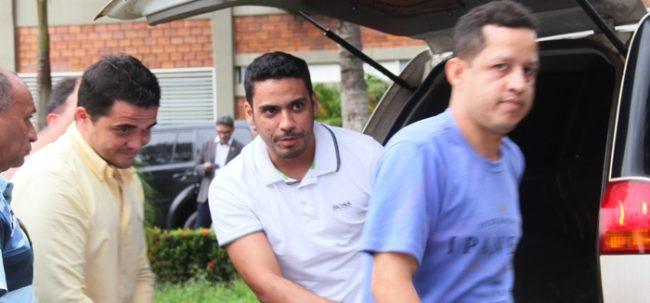 Davi Leda chegando ontem na SSP com Jonathan Boy e Fábio Bochecha