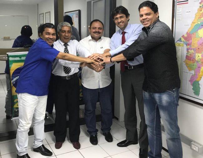 Waldir Maranhão e Luciano Genésio articulando o apoio de Márcio Coutinho
