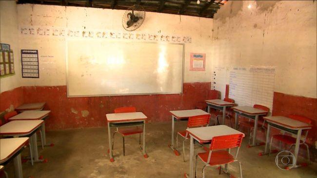 Em uma das escolas mais de 160 mil reais foram gastos com obras inacabadas