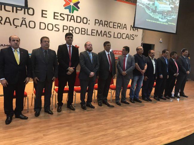 Waldir Maranhão e Zé Reinaldo marcam presença nos atos do governo