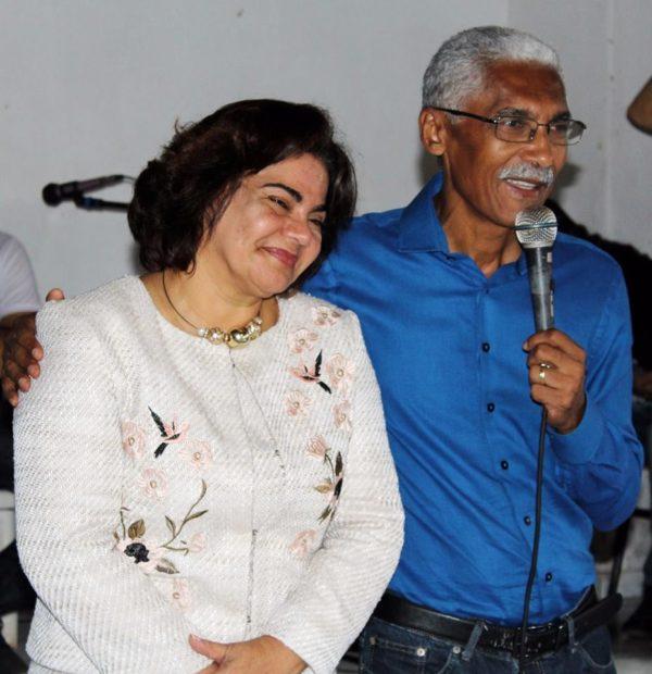 Núbia Dutra e o marido Domingos Dutra