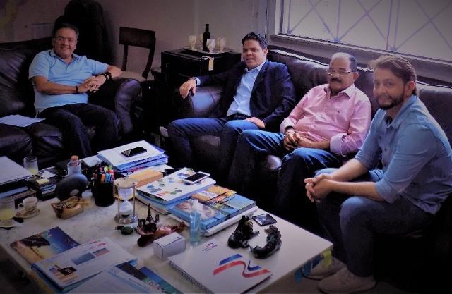 Roberto Rocha, Luciano, Zé Genésio e Leonardo Sá, durante encontro na capital