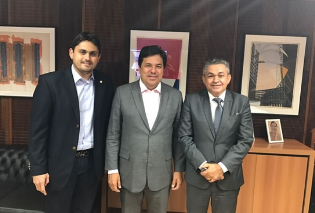 Deputado estadual Antônio Pereira, ministro Mendonça Filho e o deputado federal Juscelino Filho