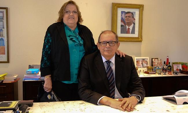 Ex-deputada Cleide Coutinho ao lado do marido Humberto Coutinho