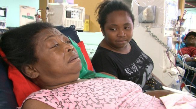 Cláudia e sua mãe, que precisou se mudar para São Luís para fazer hemodiálise