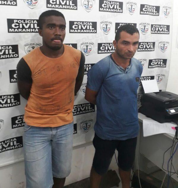 Wellison de Sousa (de laranja) e Wellison Ferreira (de azul) foram presos após assaltarem a agência dos correios de Matinha