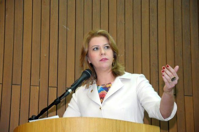 Deputada Valéria Macedo
