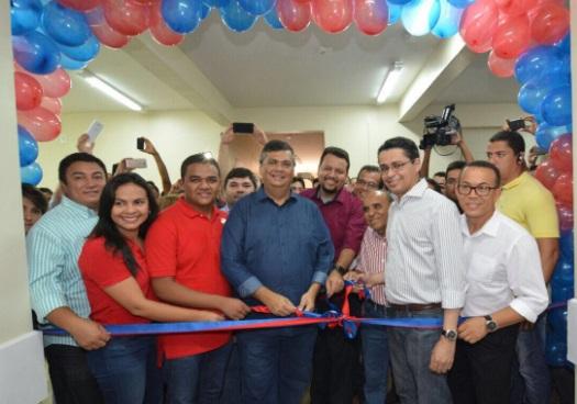 Flávio Dino inaugurando os 25 leitos do Hospital Macrorregional de Coroatá