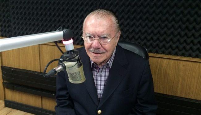 José Sarney dando entrevista na rádio da família