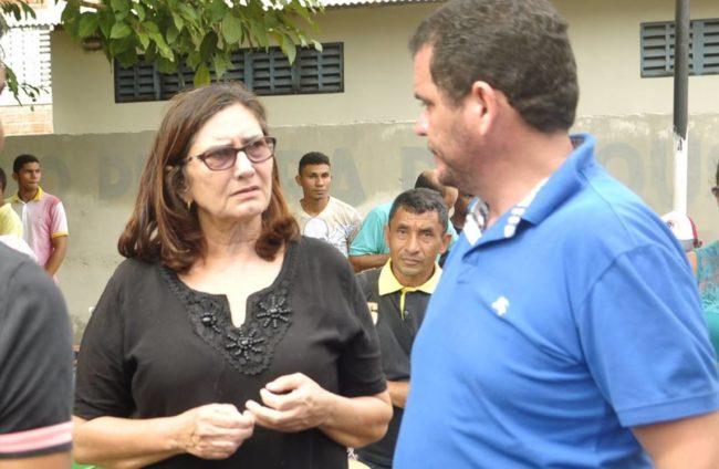 Ex-prefeita Iara Quaresma ao lado do filho, atual prefeito Rodrigues da Iara