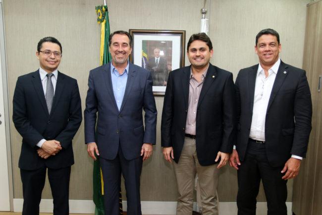 Secretário Carlos Lula, ministro Gilberto Occhi, deputado Juscelino Filho e o secretário Lula Fylho