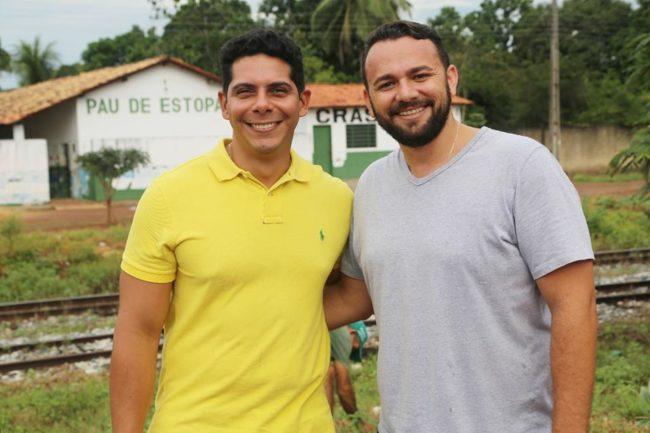 Paulo Marinho Júnior ao lado do vereador Leon Camilo