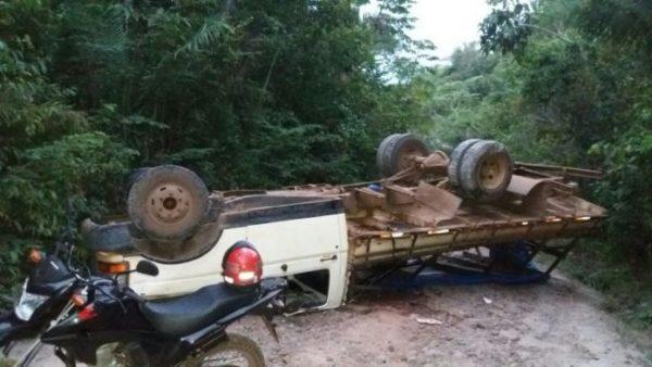 Estudante perde o braço após pau de arara capotar no Maranhão