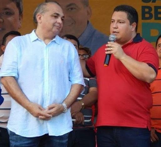 Fábio Braga ao lado do prefeito de São Benedito