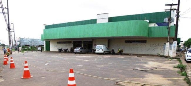 Loja dos Supermercados Maciel fechada no São Cristovão: concorrência desleal