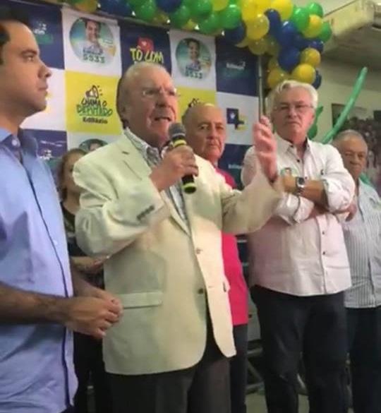 Sarney discursando na inauguração do comitê do deputado Edilázio Júnior