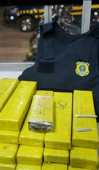 Caroline Mesquita da Silva recebeu a mala com a droga em Açailândia