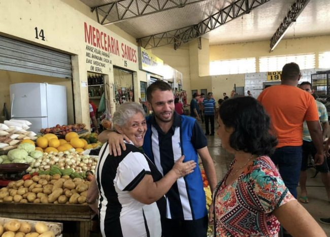 Fernando Pessoa agradecendo os votos em Barra do Corda