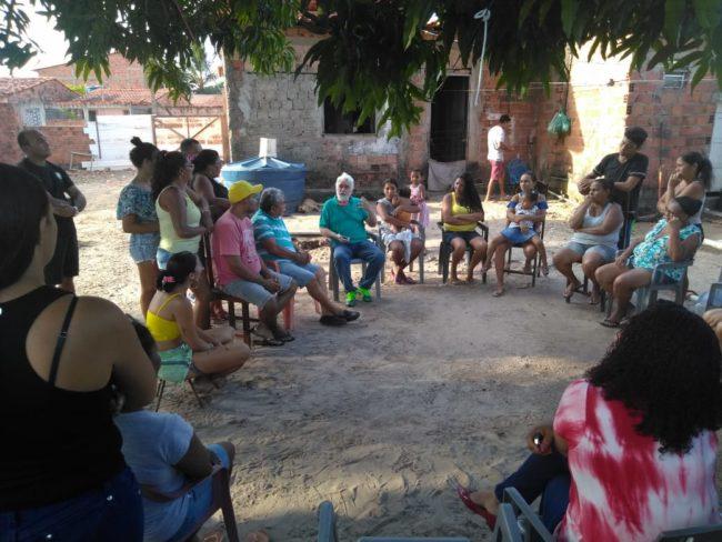 Sebastião Albuquerque ouvindo a comunidade