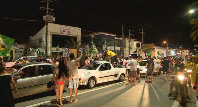 Eleitores pró-Bolsonaro comemoram vitória em São Luís